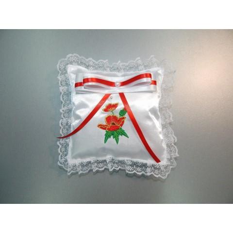 Подушка для хрестика з вишивкою маків